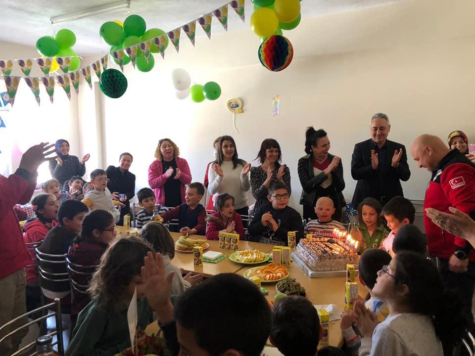 Küçük Mustafa'nın Doğum Günü